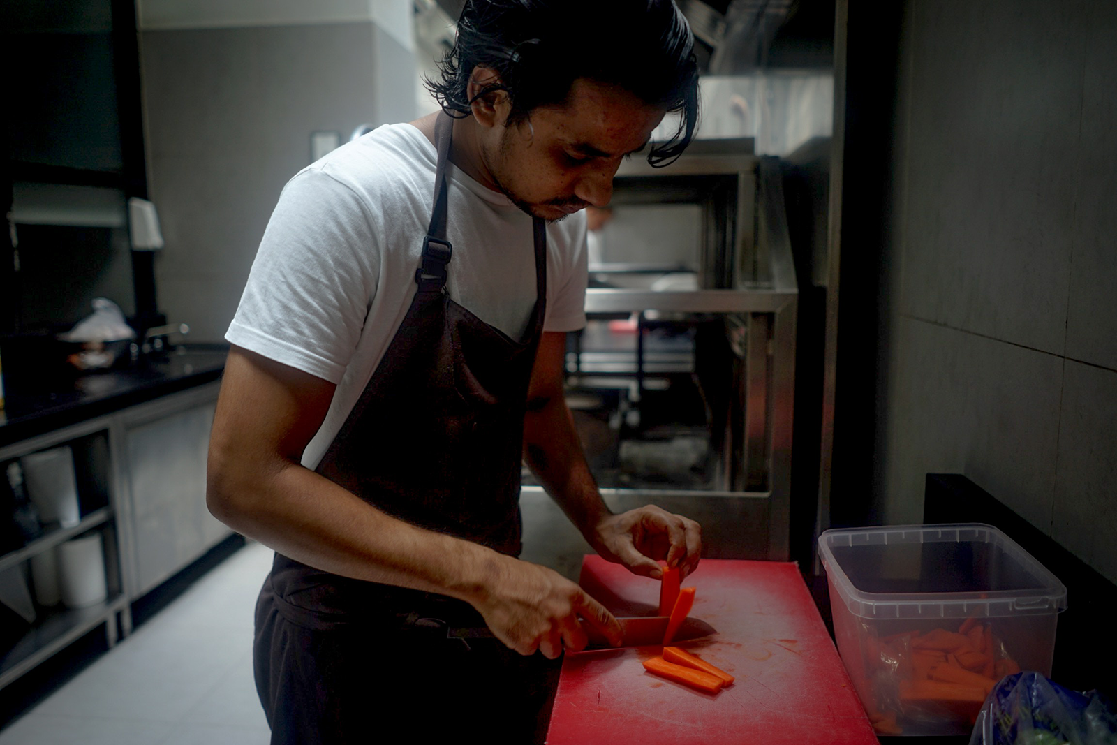 Head Chef Tries To Blend Life Lessons With Knife Skills