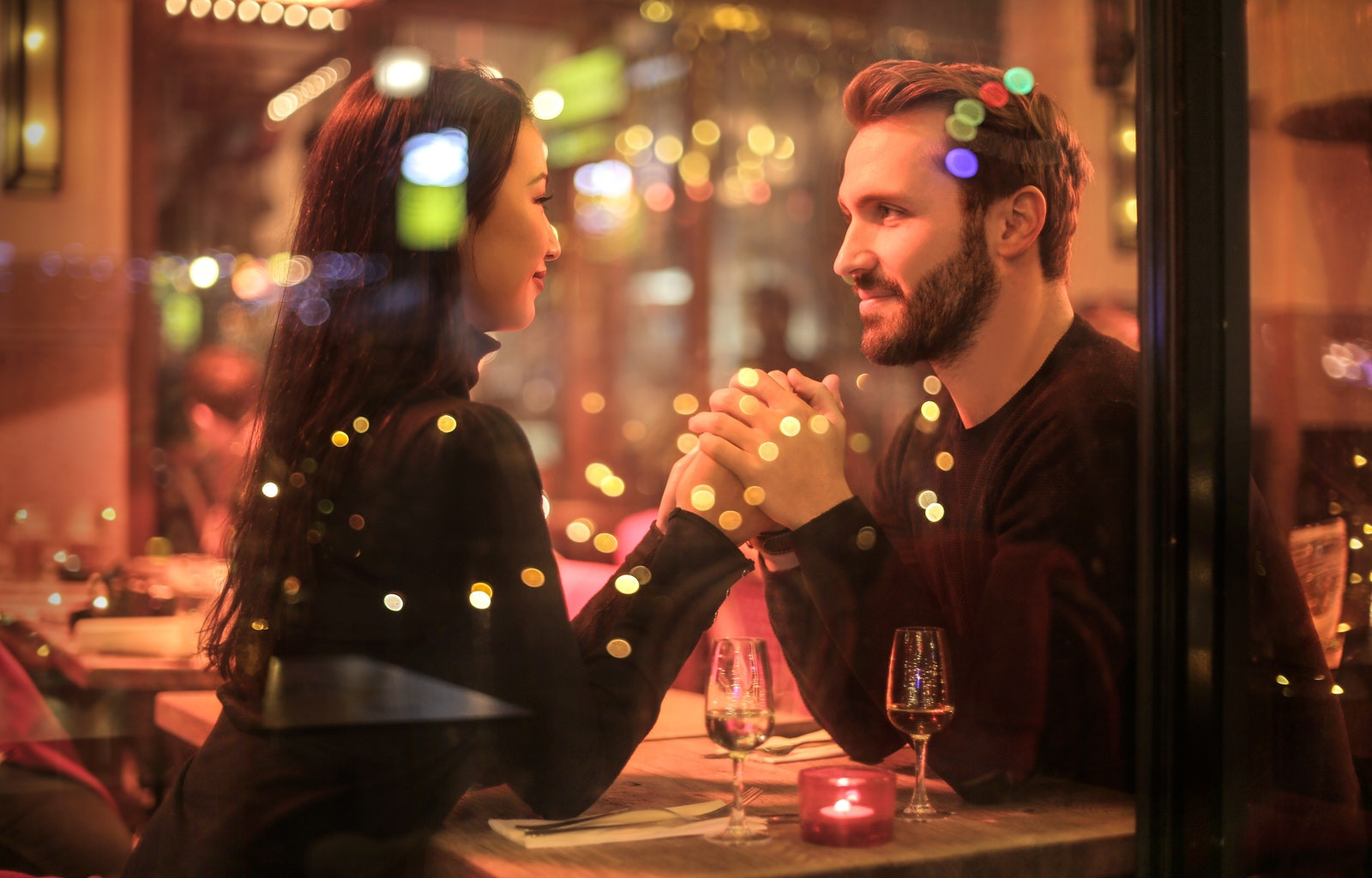 Couple On A Date Doesn't Get Into A Fight
